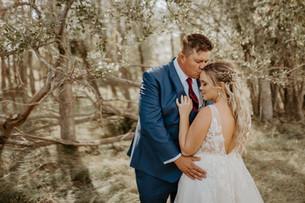 JORDAN & BRENNA | LLOYDMINSTER WEDDING PHOTOGRAPHER