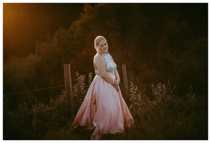 HALEY | LLOYDMINSTER GRADUATION PHOTOGRAPHER