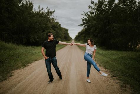 LLOYDMINSTER COUPLES PHOTOGRAPHER   BRENDAN + JENELLE