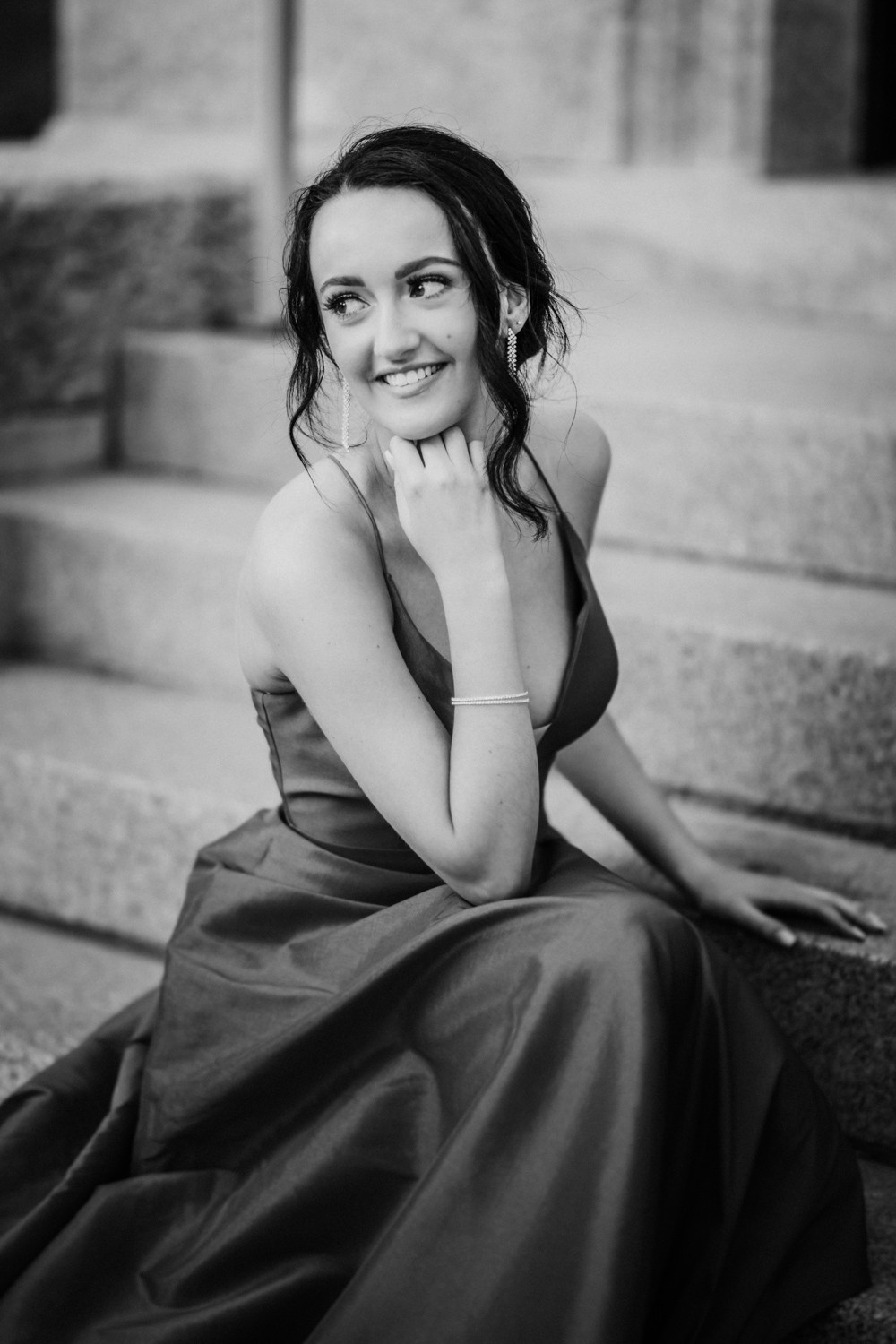 LLOYDMINSTER GRADUATION PHOTOGRAPHER | HANNAH