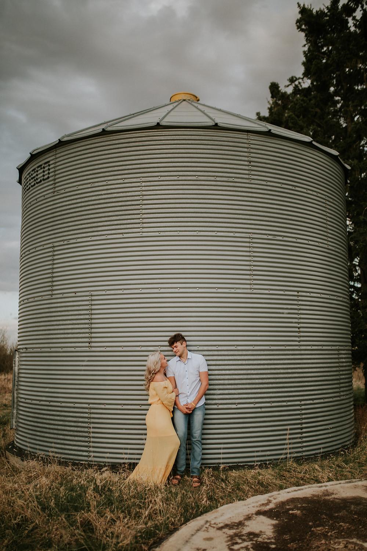 LLOYDMINSTER COUPLES PHOTOGRAPHER