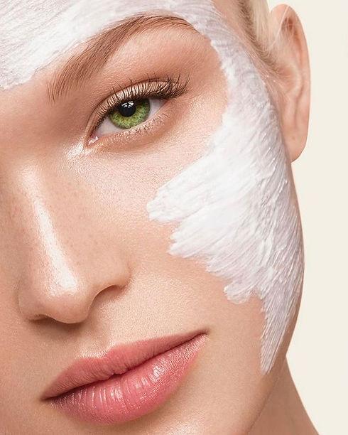 La limpieza facial profunda es un tratam