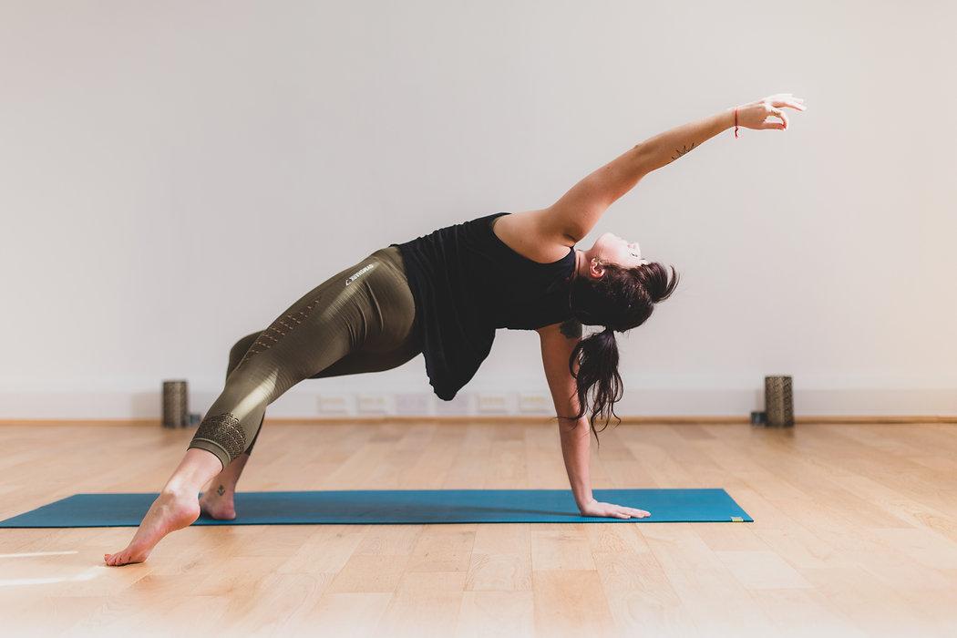 Beth_Yoga_2019-3695.jpg