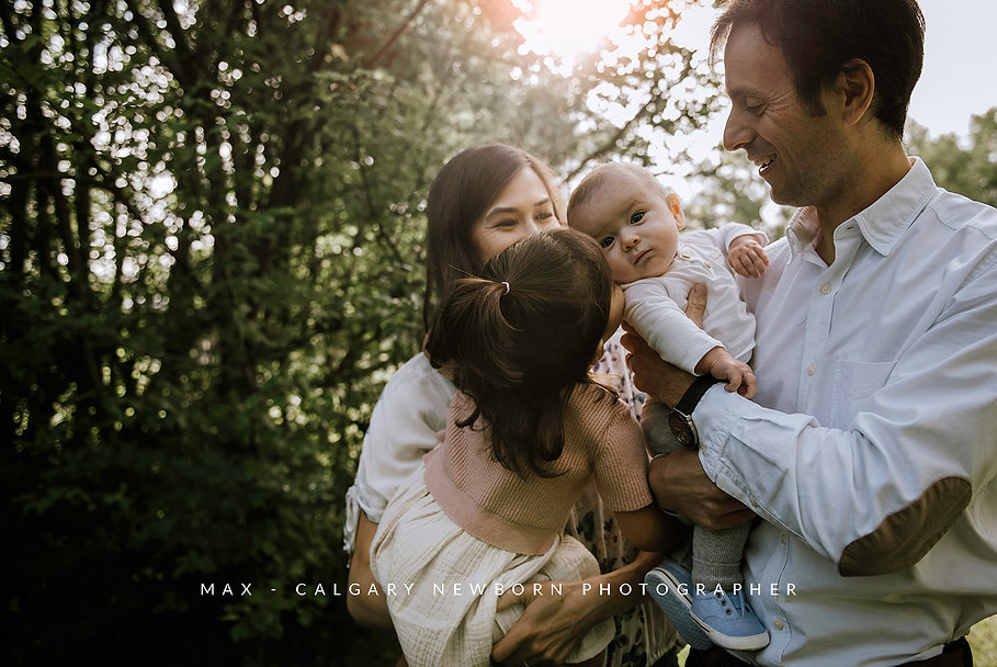 CALGARY-NEWBORN-PHOTOGRAPHER,-MAX.jpg