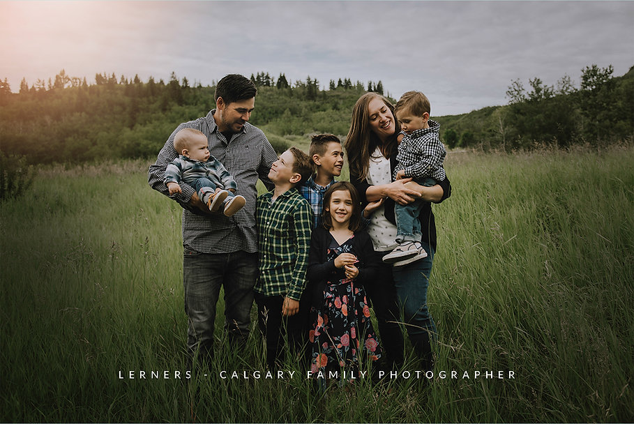 calgary-family-photographer.jpg
