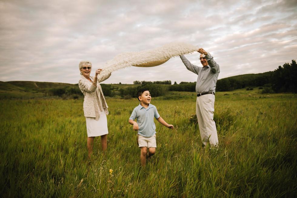 Calgary Extended Family Photographer