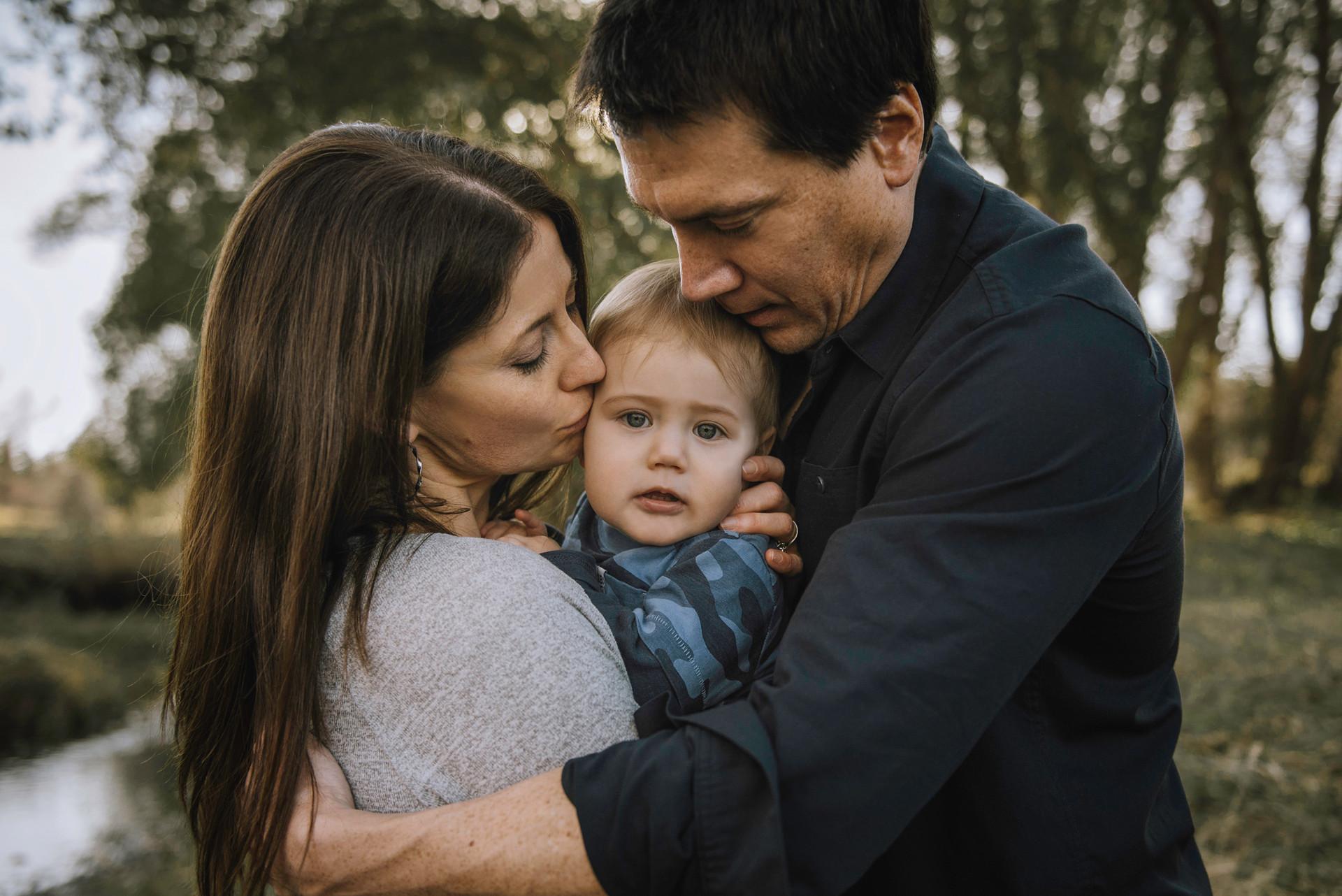 calgary-family-photographer,-lifestyle.j