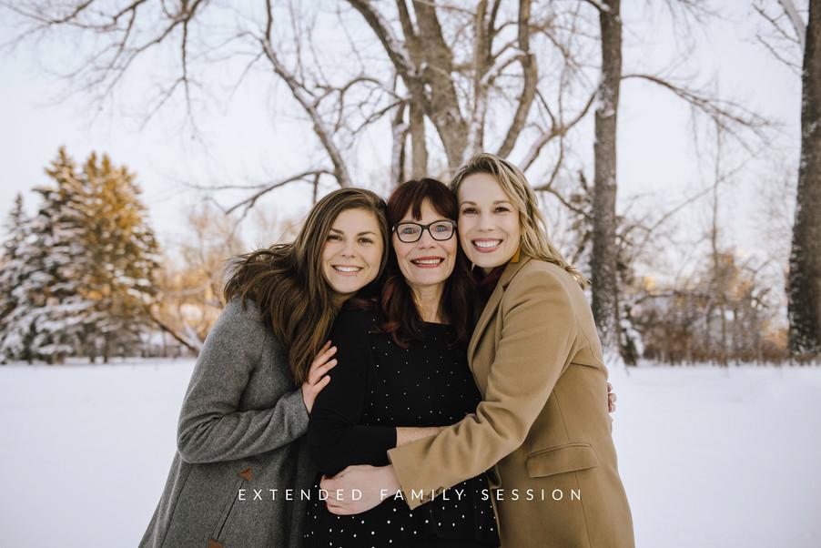 Calgary-family-photographer,-extended-fa