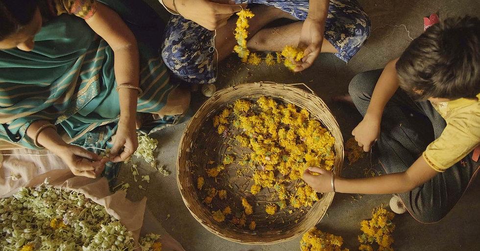 Flower-seller, Arthuna, Rajasthan