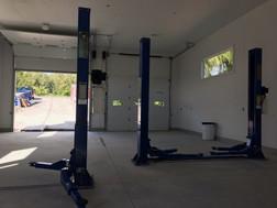 Papi's Garage - Glengarry Construciton