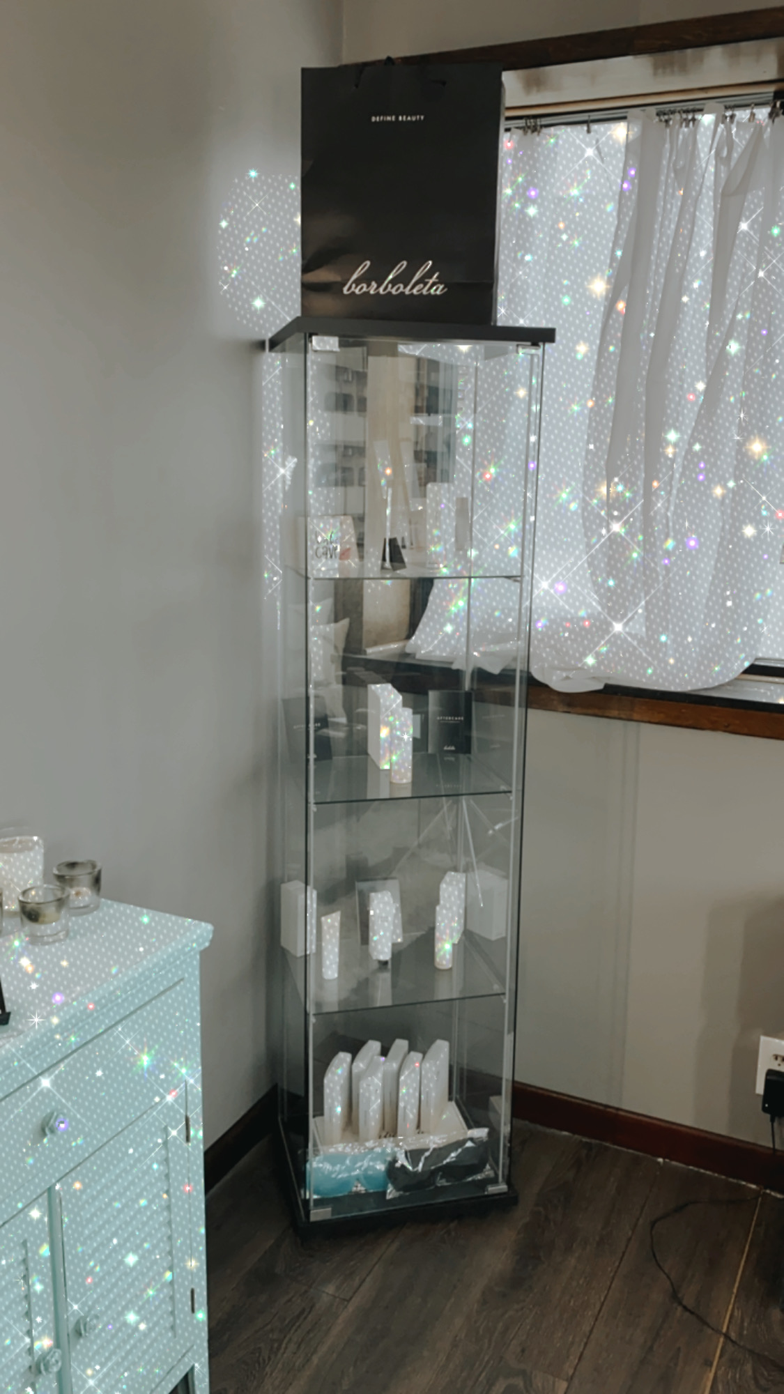 Retail Borboleta display case