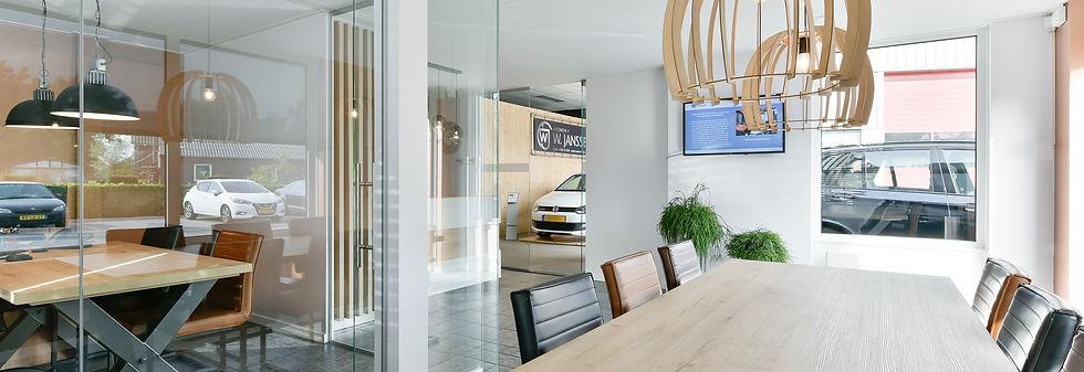Interior ID - Garage Janssen Haps - pp.