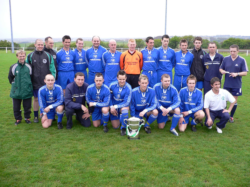 team shot with cup 3 2004-05.jpg