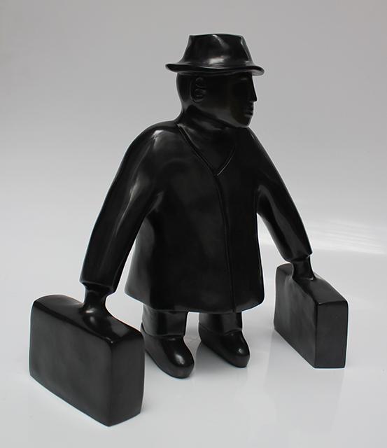 L'homme aux valises - bronze