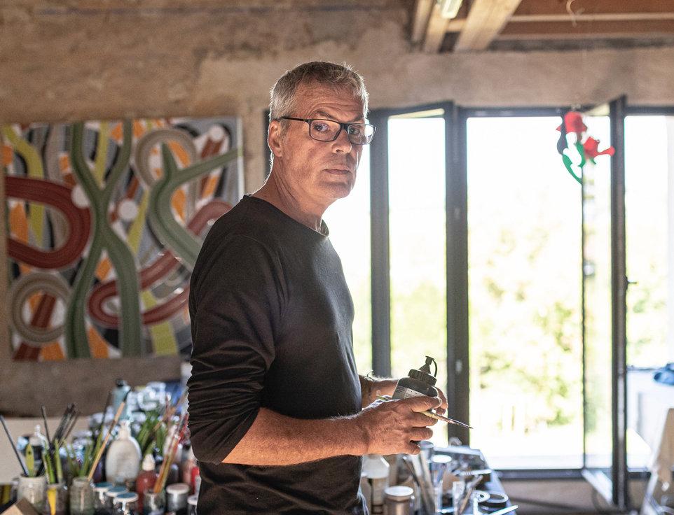 Bruno Schiepan Portrait dans l'atelier_couleur.jpg