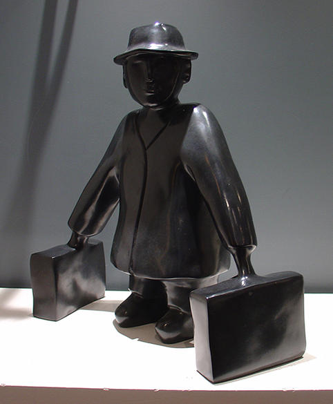 L'homme aux valises (bronze)