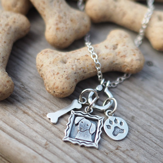 HOUND DOG CHARM NECKLACE