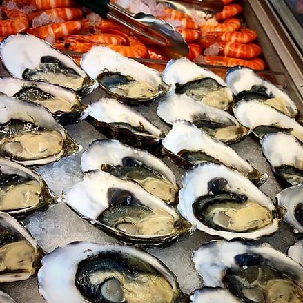 Mermaid Beach Seafoods - Fresh Oysters.j