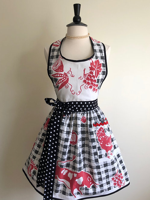 """""""What's Cookin'?"""" Vintage Tablecloth Apron"""