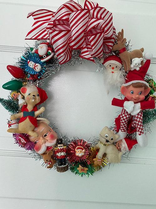 Vintage Kitsch Christmas Kitten Mouse Tinsel Wreath