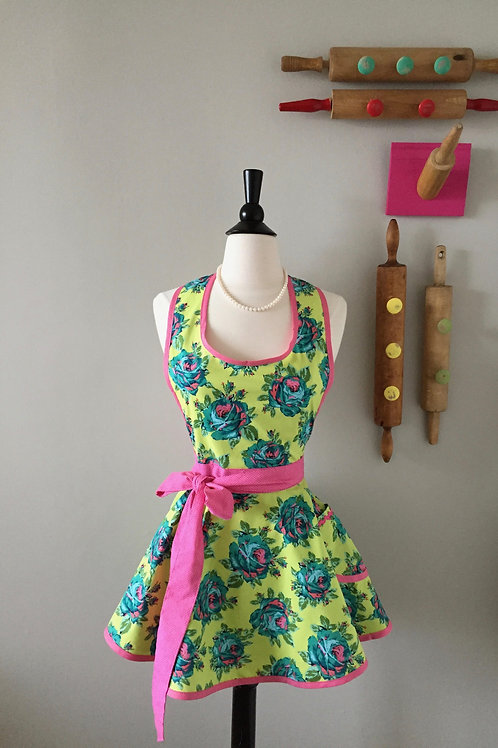 Retro Apron Cabbage Roses Citron Circle Skirt