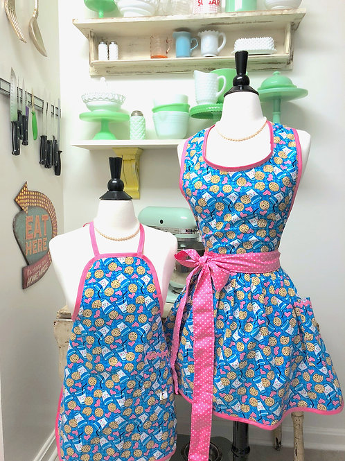 Mommy & Me Cookies & Milk Retro Aprons