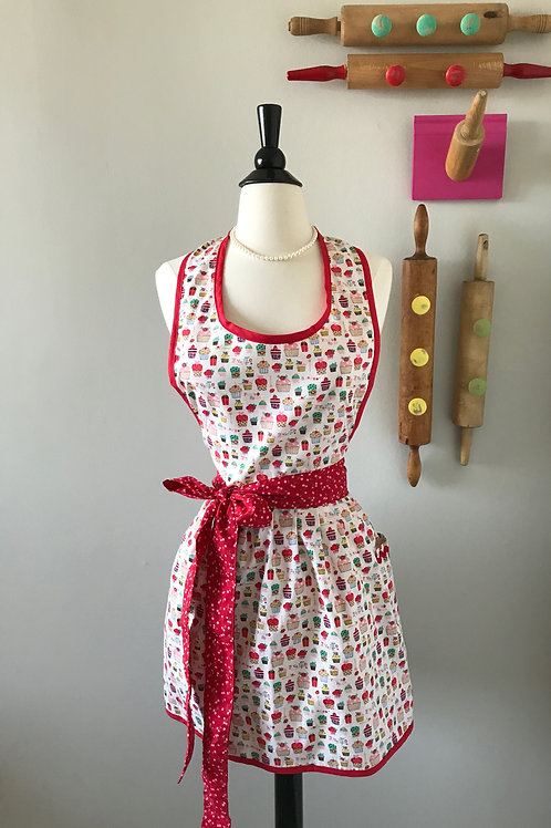 Retro Apron Mini Cupcakes on White