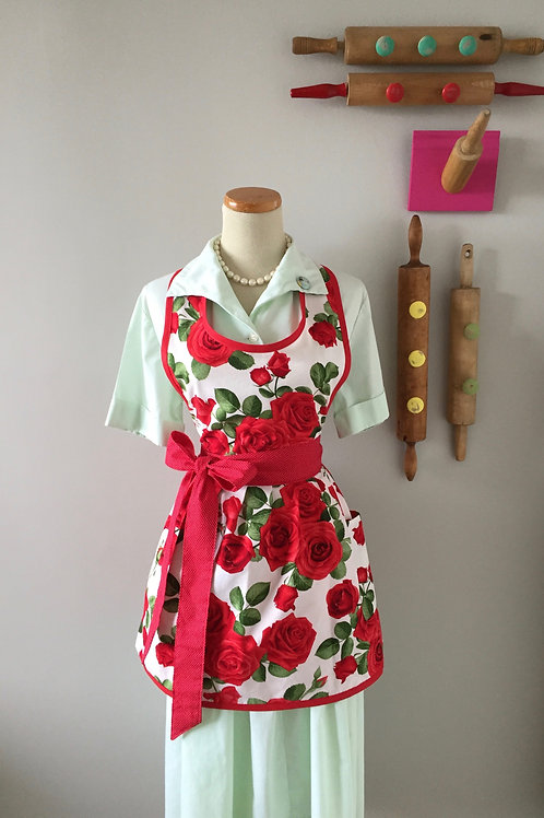 Retro Apron Romantic Roses Cream Apron