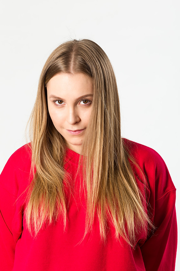 Retrato de Carla Dias no personagem de Suzane Richthofen. Photo Julio Kohl.