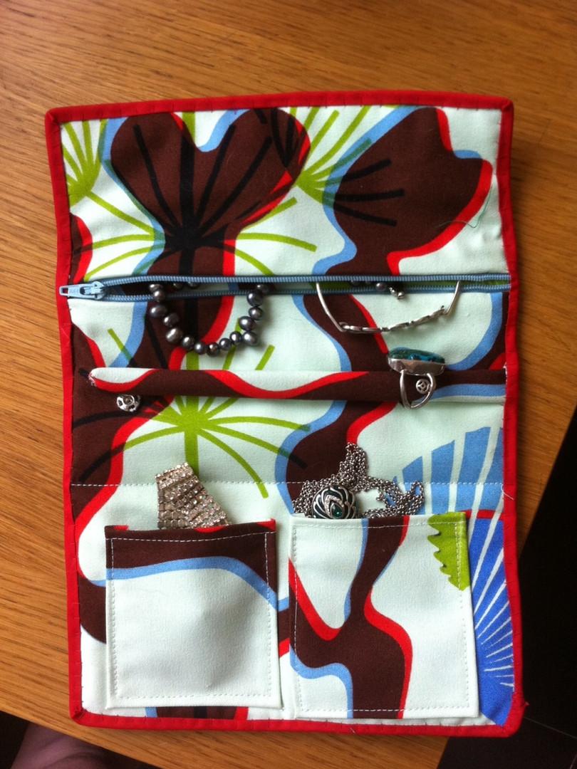 Jewelery bag (open)