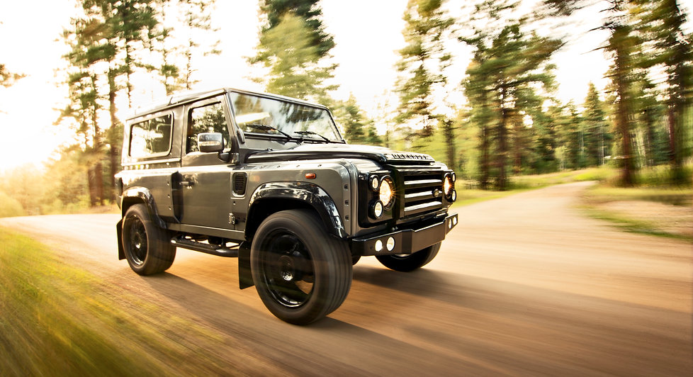 Supercharged Coyote V8 land Rover Defender 90