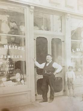 Heiser, Lackner among hundreds attending 1875 Turner Society ball