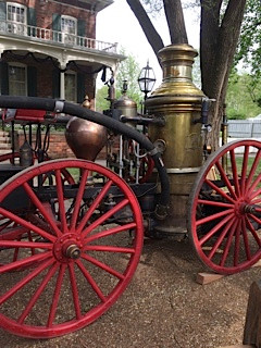 Early fire-fighting apparatus
