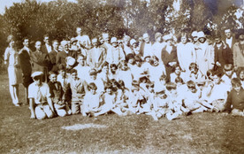 Turner school families gathered for fish fry, picnic, in 1927
