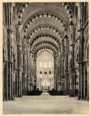 vezlay abbey 2.JPG