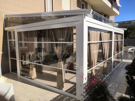 Pergola Apollo arreda un giardino in quartiere residenziale a Foggia