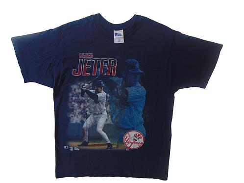 Vintage 90s Derek Jeter Yankees Shirt