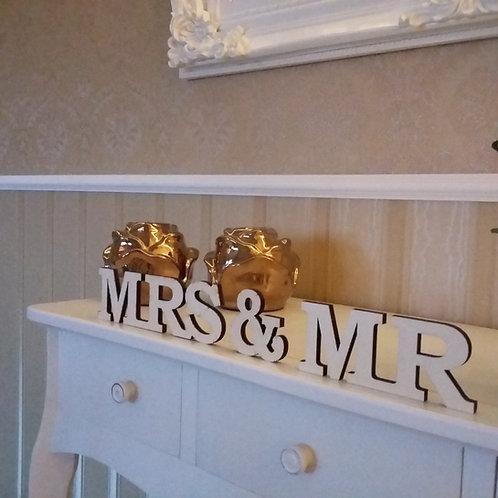 Mr & Mrs Schriftzug