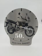 Uhr zum 50- ten