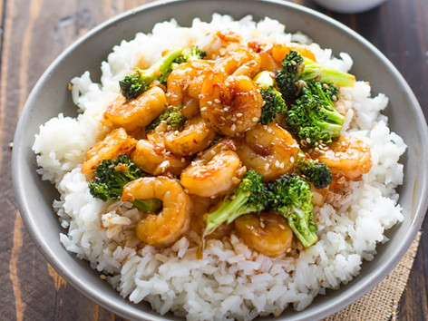Honey-garlic prawns with rice and broccoli