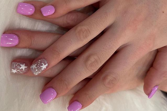 Custom dip nail design