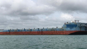 Deck Barge with 14,000dwt and 20t/m² Deck Load