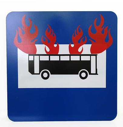 O ônibus incendiado, 2013 - Guga Ferraz