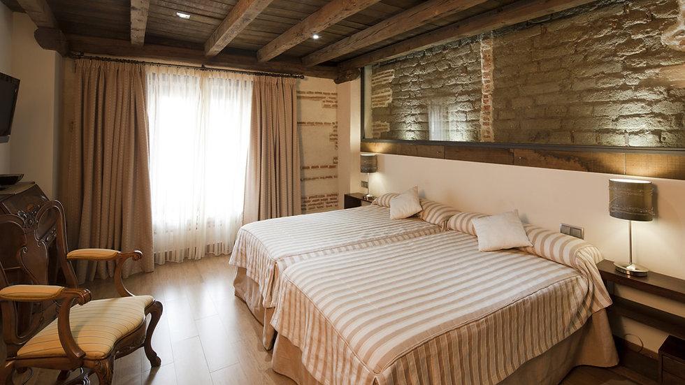 ESCAPADA ROMÁNTICA EN UN HOTEL DEL SIGLO XVIII