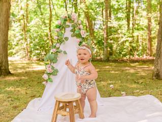 Nora | One Year Cake Smash | Columbus, Ohio Family Photographer