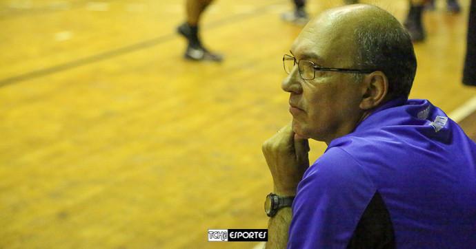 Hortelan, técnico do Pinheiros. (foto André Pereira / Tchê Esportes)