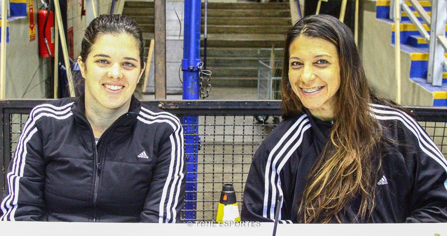 Claudia Mota, secretária e Erika Araujo, cronometrista. (foto André Pereira /Tchê Esportes)