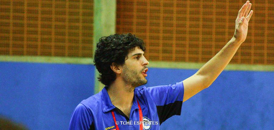 Alex Aprile, técnico do Pinheiros. (foto André Pereira / Tchê Esportes