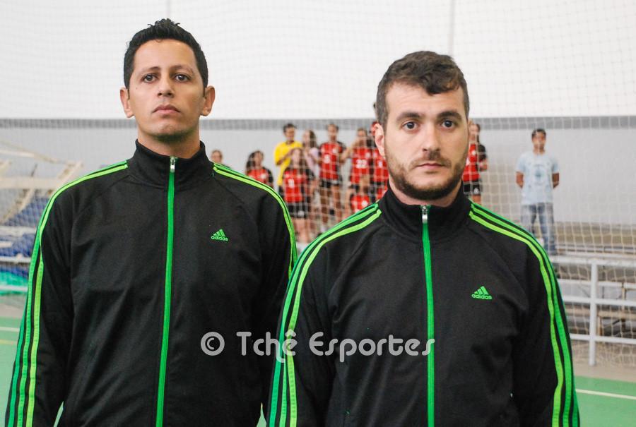 árbitros do jogo. (foto André Pereira / Tchê Esportes)