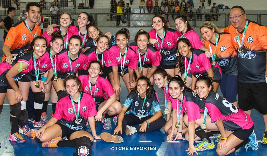Campeã CADETE feminino / Handebol 360. (foto André Pereira / Tchê Esportes)